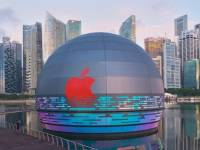 Analysis: Apple blows it out of the water with new floating store and bright red logo in SG